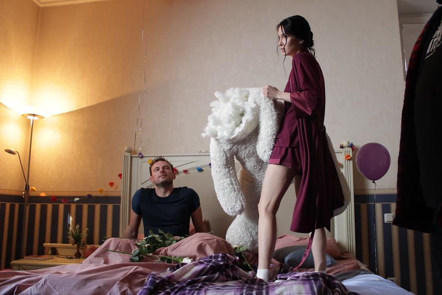 «Моей маме не нужен зять»: Марина Бриз снялась в новом клипе