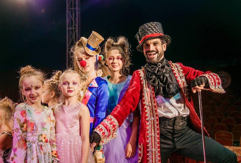 «Цирк сновидений»: съемки фильма «Phantasmagoria Show» production проходят под куполом цирка