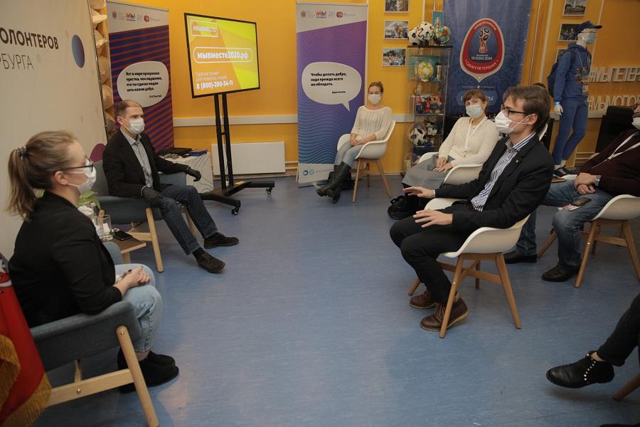 Михаил Романов поздравил волонтеров акции #МыВместе в региональном штабе