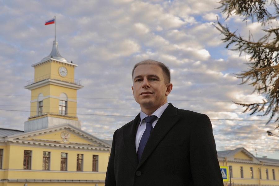 Михаил Романов попросил Председателя СК России Александра Бастрыкина взять на личный контроль дело об избиении ребенка на детской площадке в Санкт-Петербурге приезжим из Узбекистана