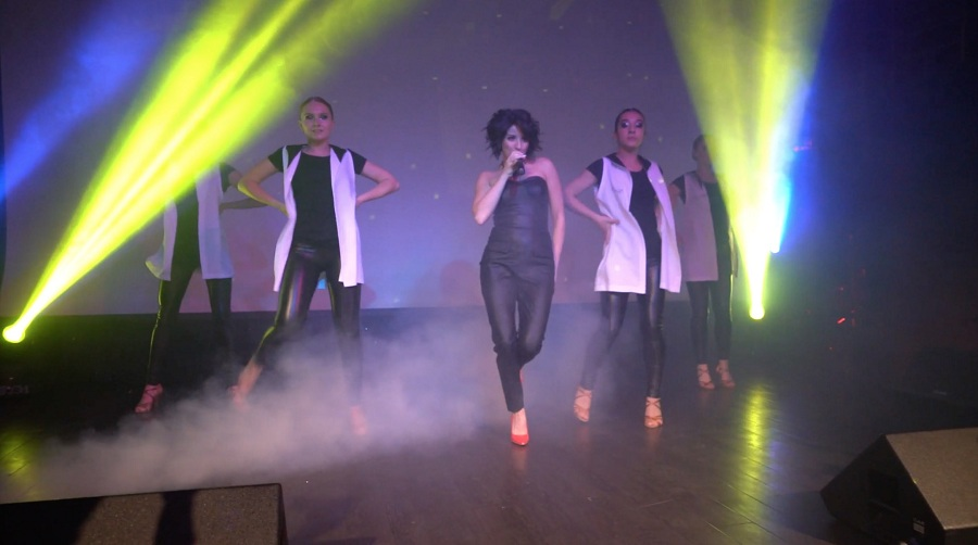 Новую концертную программу представила певица Анири