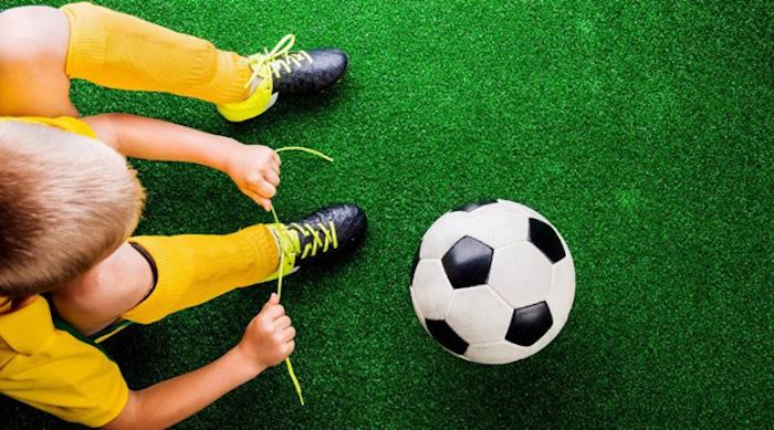В онлайн-соревнованиях по футболу приняли участие 1400 школьников столицы