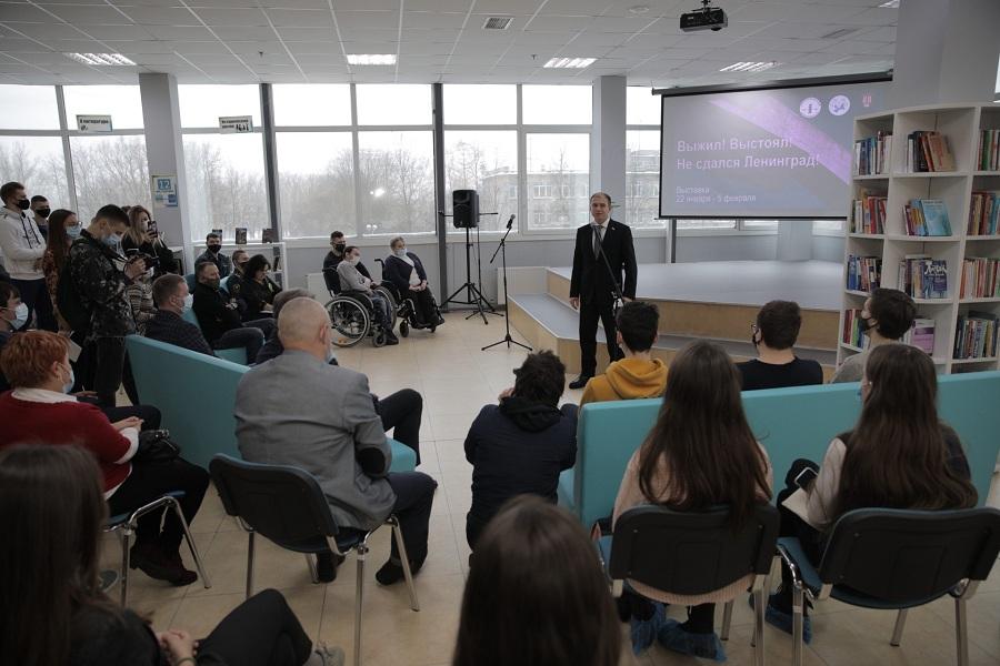 Михаил Романов принял участие в открытии выставки «Выжил! Выстоял! Не сдался Ленинград» в городе Колпино