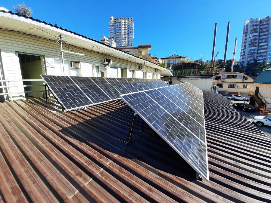 Санаторий «Заполярье» установил свою солнечную электростанцию