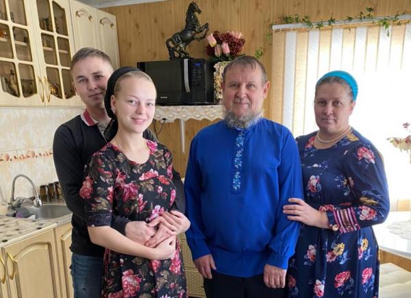 Олег Сирота дошел до вице-спикера Госдумы Алексея Гордеева в решении проблем переселенцев из Боливии