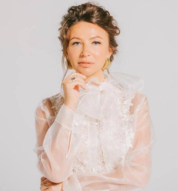 Елена Блиновская раскрыла секрет своего успеха: «Я заземляю все знания»