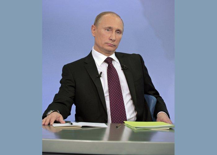 Владимир Путин во вторник привьется российской вакциной