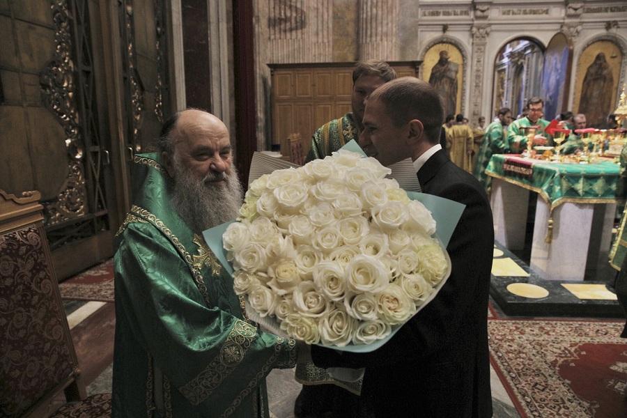 Михаил Романов посетил Божественную литургию в Исаакиевском соборе, приуроченную к празднику Входа Господня в Иерусалим