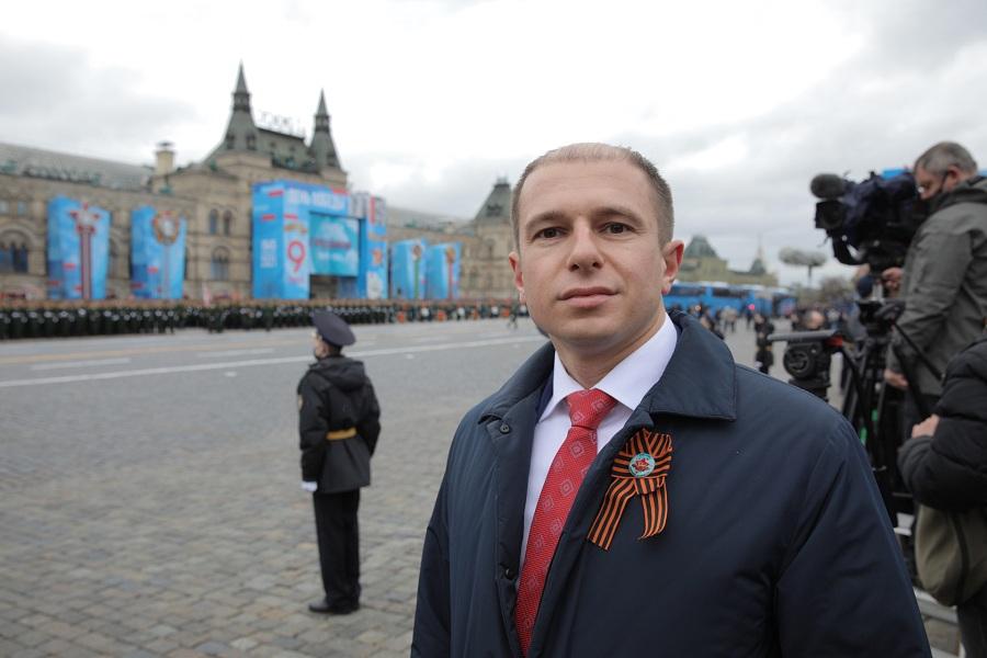Михаил Романов поздравил петербуржцев с 76-ой годовщиной Победы в Великой Отечественной войне