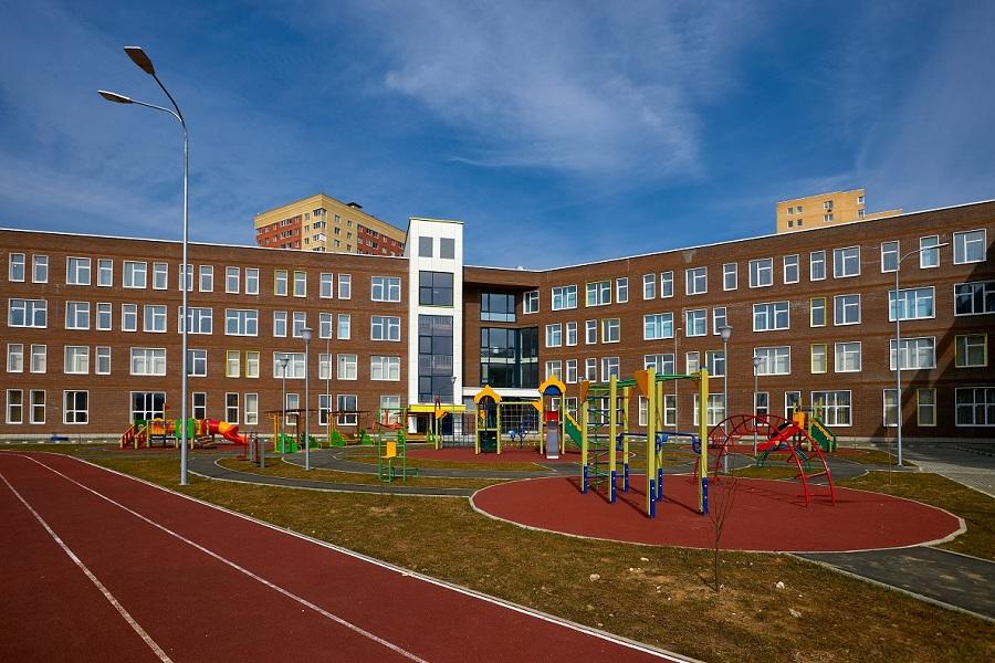 Новая школа в Балашихе впечатляет красотой и размахом решений