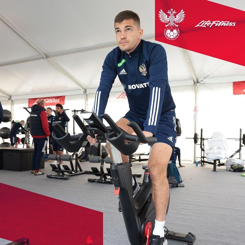 Официальным поставщиком фитнес-оборудования для футбольной сборной России признана Life Fitness