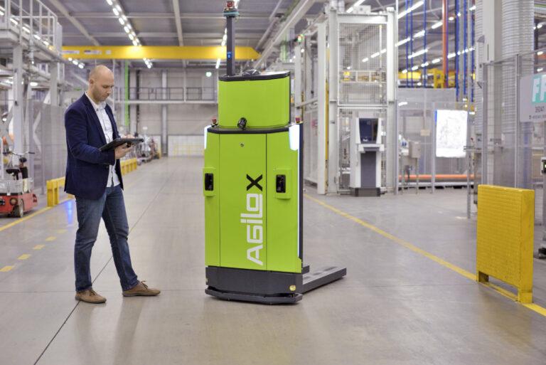 На складах DB Schenker начнут работать автономные вилочные погрузчики