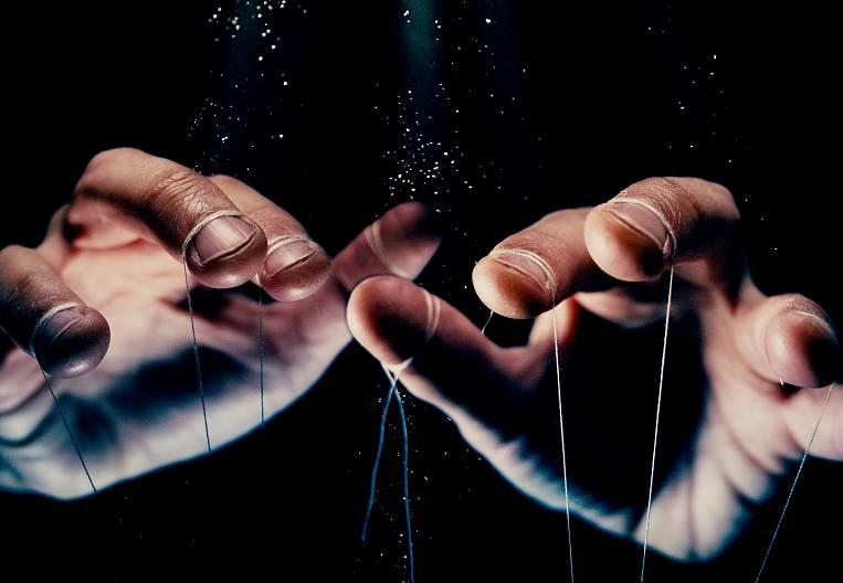 Игра в ассоциации: как полезный минерал превратился в ночную страшилку