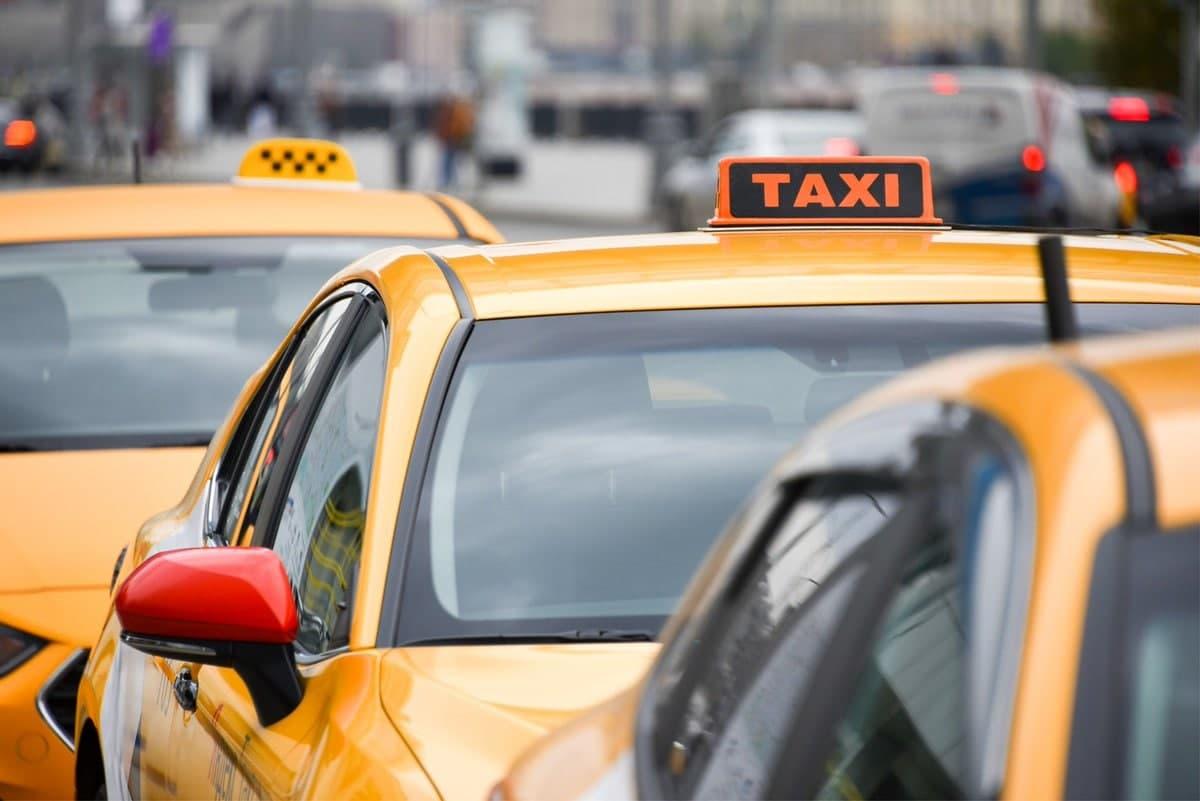 В Москве начнут действовать новые правила работы такси