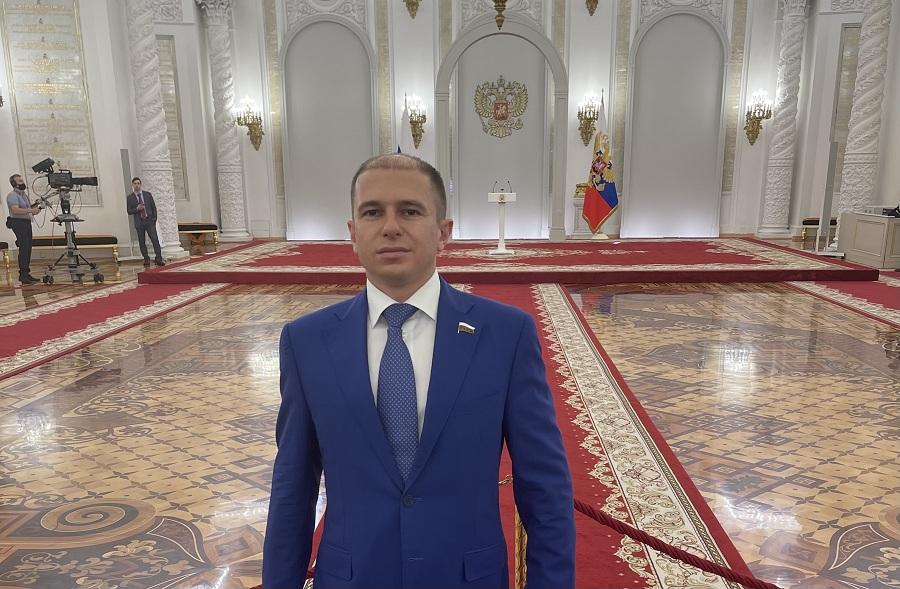 Михаил Романов: «Конструктивное сотрудничество парламента с руководством страны позволило добиться заметного прогресса в достижении целей национального развития»