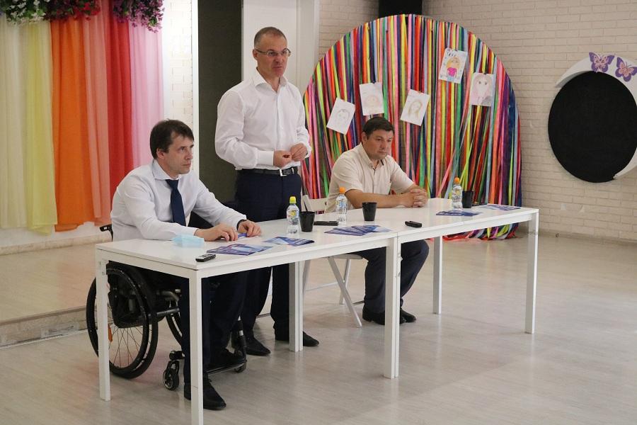 Открытый разговор с жителями Протвино провели депутат Госдумы и советник губернатора Московской области
