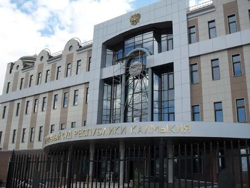 Верховный суд Республики Калмыкия установил, что представитель Виктора Батурина намеревался причинить вред Елене Батуриной