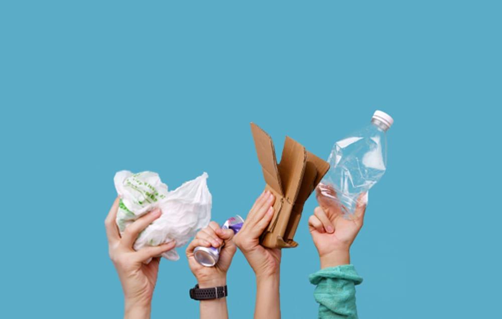 Контейнеры для раздельного сбора мусора подарили «Зеленые» мэрам и губернаторам