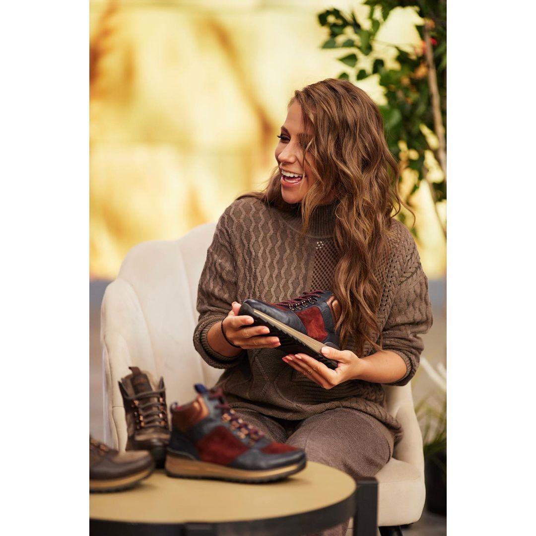 Обувной бренд Ara отметил день рождения в эфире канала Shopping Live