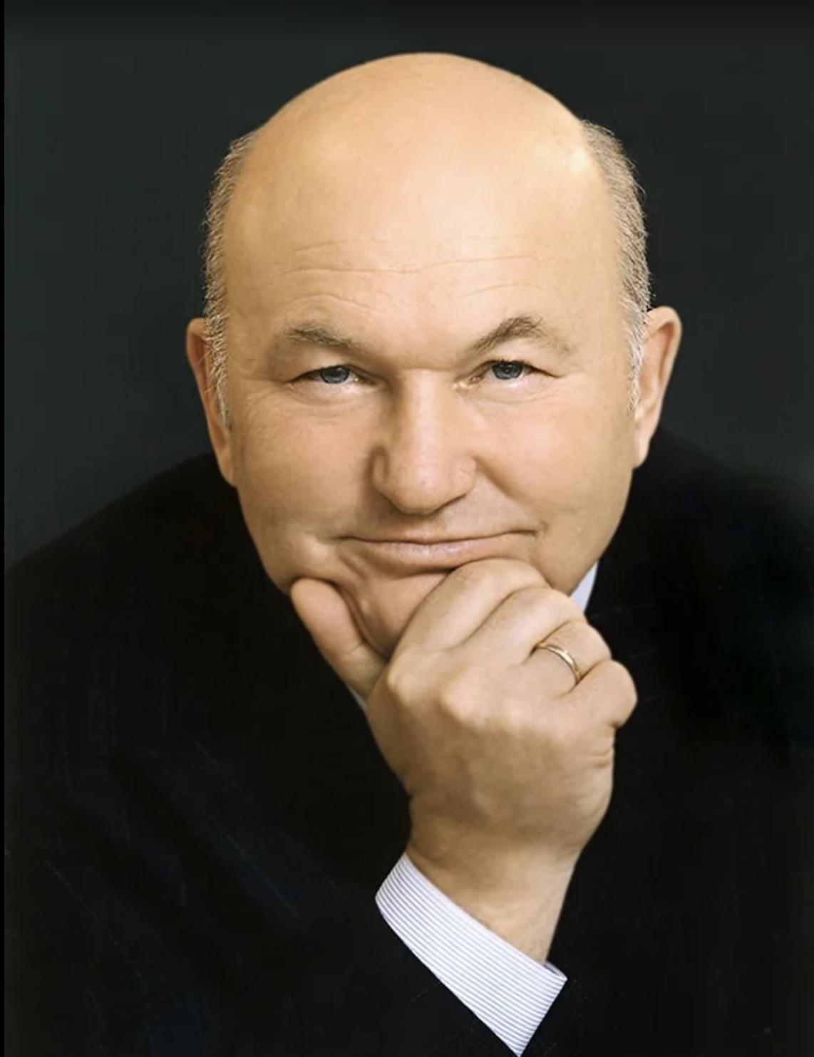 Участие в субботнике в Коломенском в память о Юрии Лужкове смогут принять москвичи