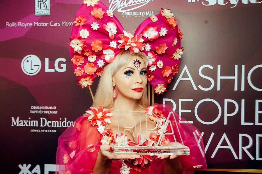 Самый яркий образ в шоу-бизнесе оказался у Тани Тузовой Русской Барби