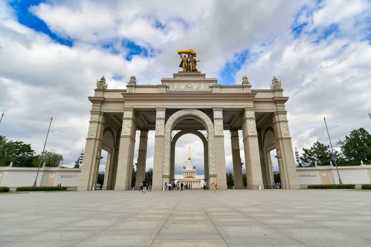 «Бегущий город»: на ВДНХ пройдет новый экскурсионный квест