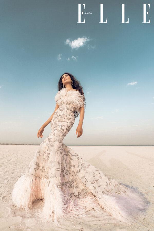 Модель Zarina Yeva на обложке журнала Elle