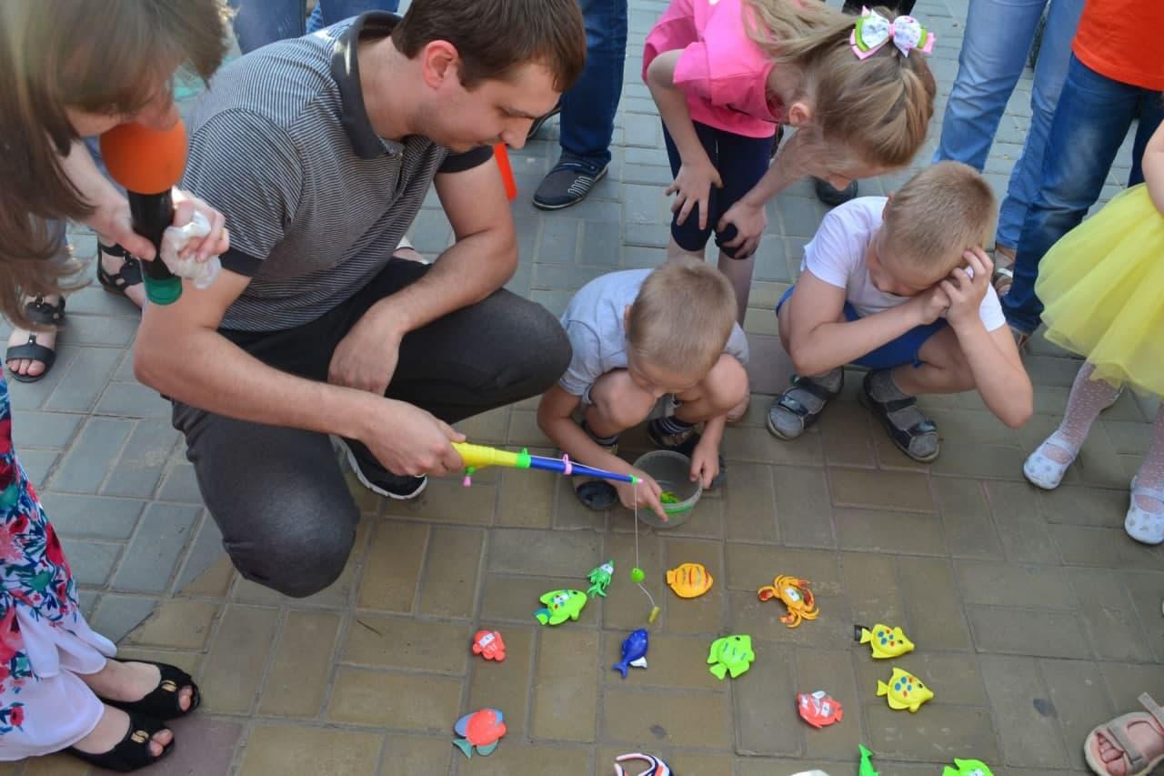 Московские центры творчества подготовили праздничную программу ко Дню отца