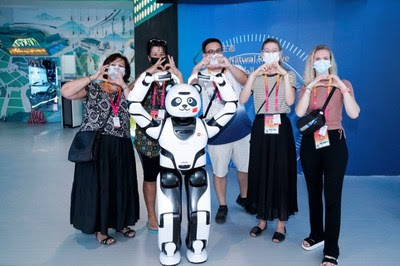 Expo 2020 Dubai: Робот UBTECH Panda отправляется в китайский павильон