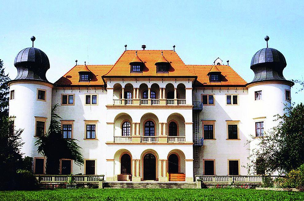 Schloss_sitzenberg_%c2%a9_hlfs_sitzenberg