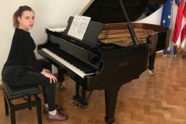 Юная пианистка из Хакасии открыла новые горизонты благодаря АО «СУЭК»