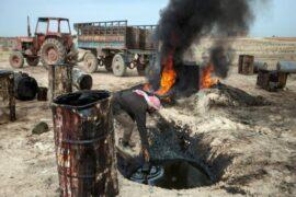 Курды-террористы воруют нефть в Сирии, а Штаты им помогают
