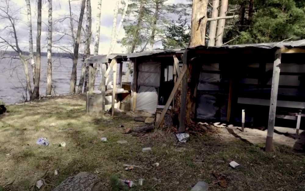 В Тверской области в водоохранной зоне обнаружено 8 км пожароопасных заброшенных построек и горы мусора