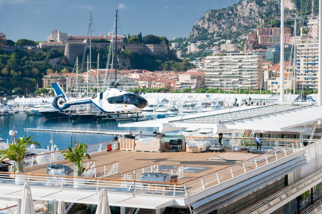 Совладелец Belgravia Yachts Виктор Мартынов: количество возможных сценариев использования суперяхты увеличивается с помощью вертолёта на палубе
