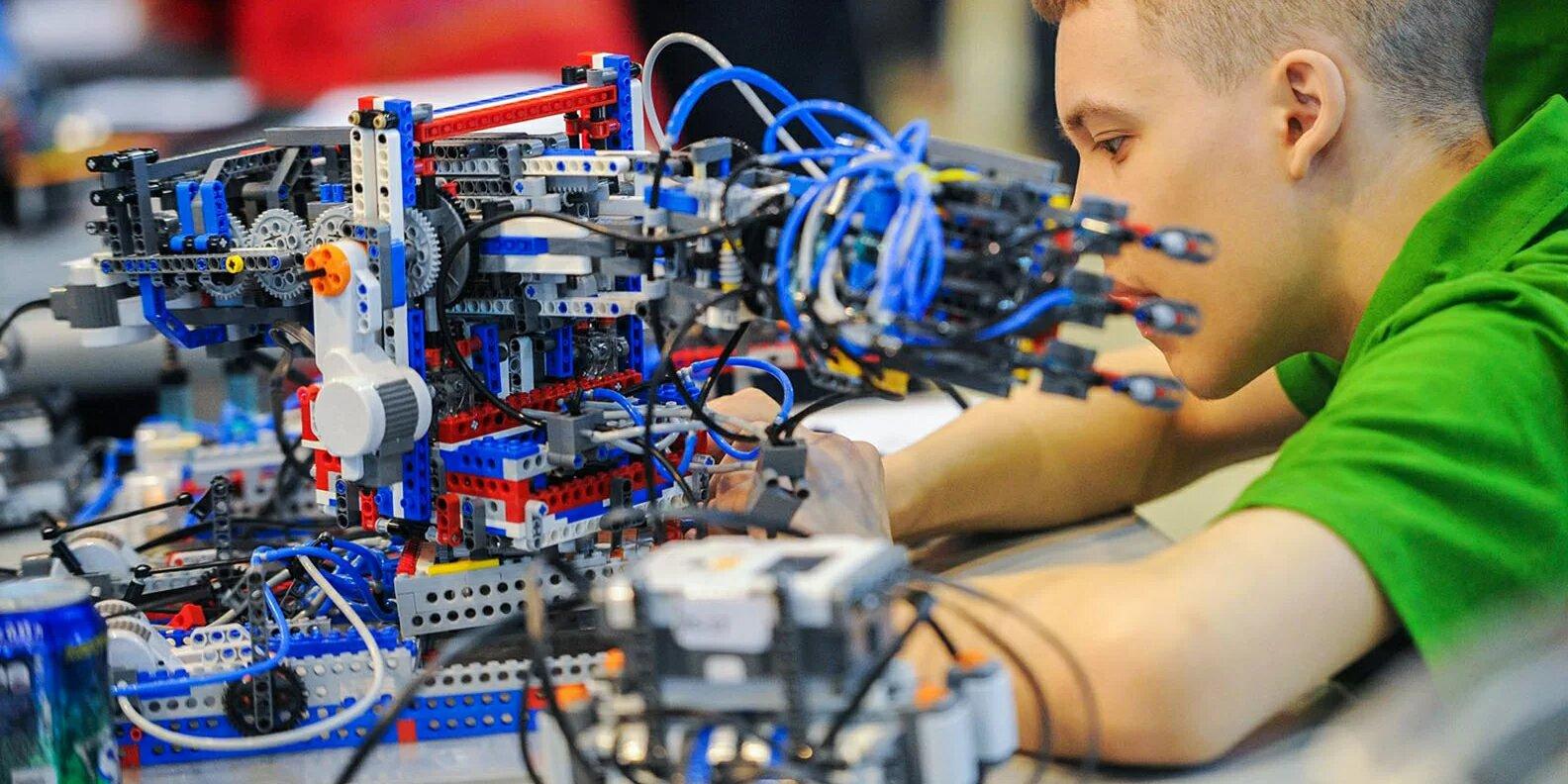 О новых возможностях онлайн-программ детских технопарков рассказала Наталья Сергунина