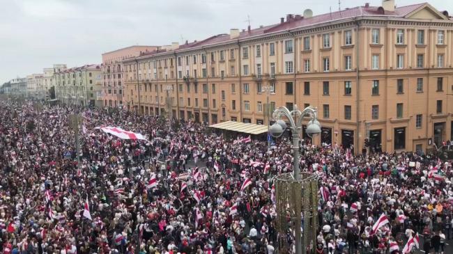 Белорусская оппозиция попросила показать документы об отношении к России