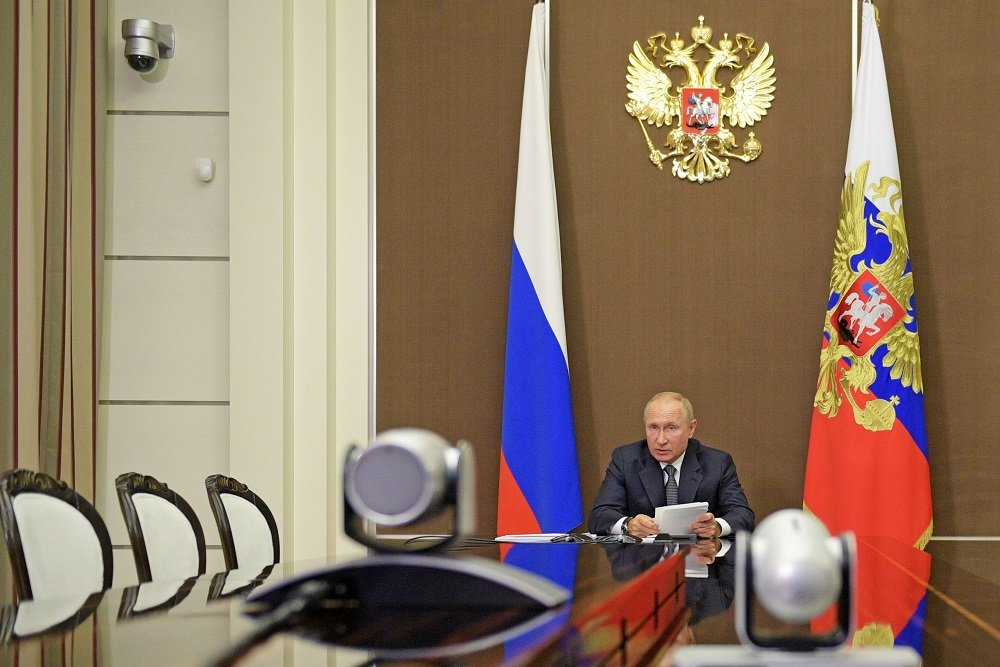 Путин не считает возможной задержку реализации нацпроектов