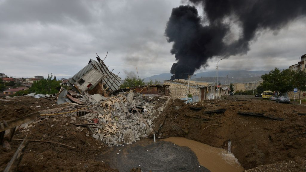 Алиев заявил о возможности военного решения конфликта в Карабахе