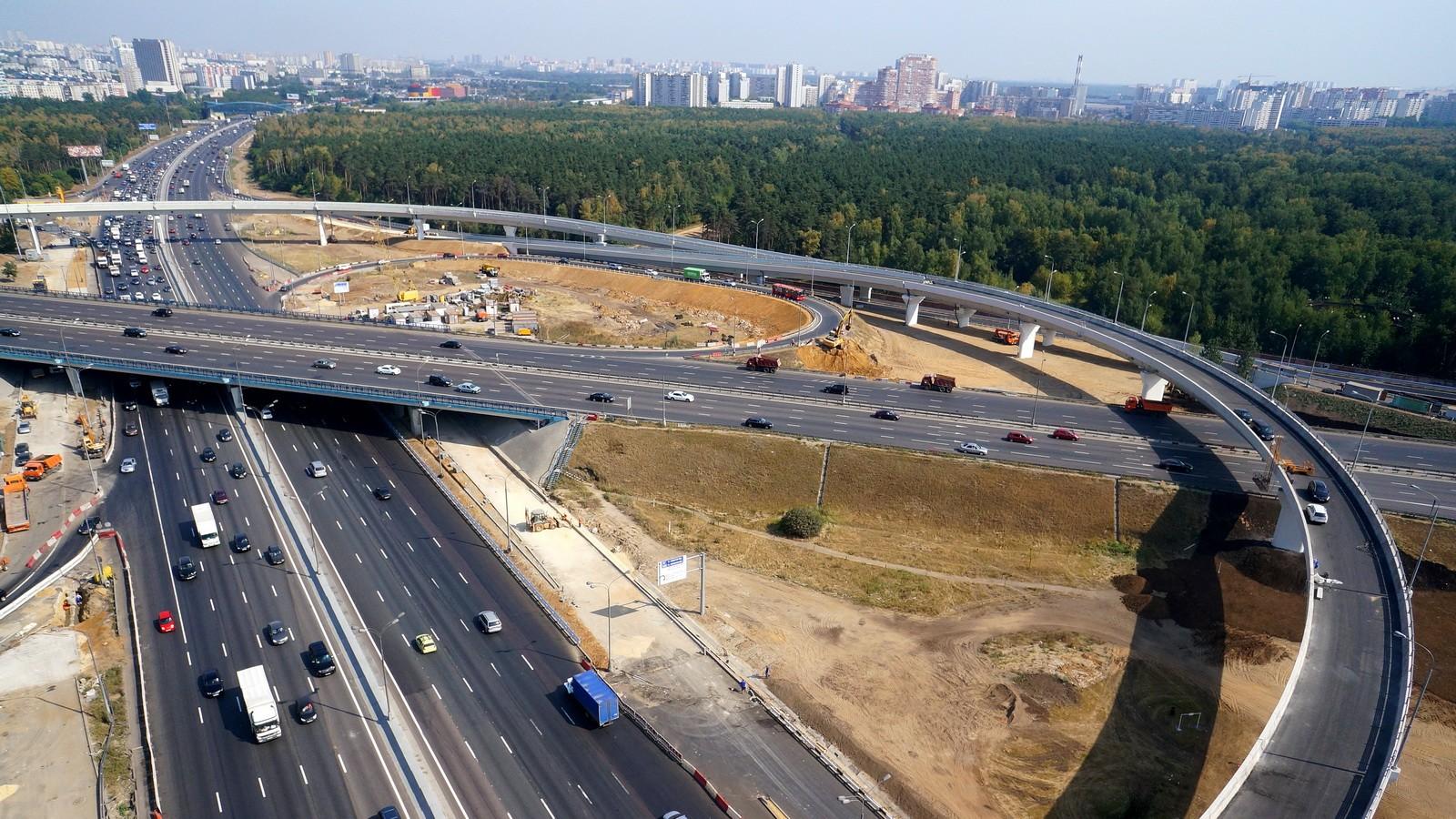 Медаль «За строительство транспортных объектов» вручили председателю совета директоров АО «Восточный порт» Петру Ямову