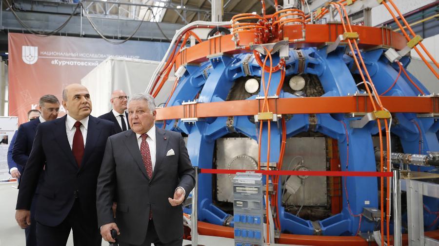 Мишустин запустил инновационную термоядерную установку токамак