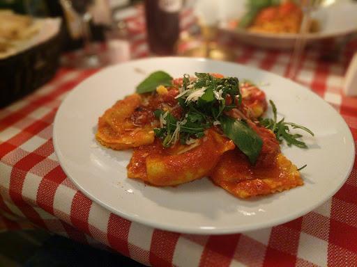 "Italian Restaurant Pizza ""Sale e Pepe"""