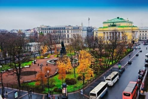 Екатерининский сквер на Невском проспекте