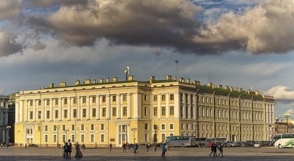 Здание штаба Гвардейского корпуса на Дворцовой площади