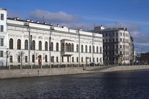 Дворец Шувалова, где располагается музей