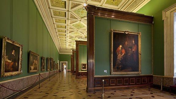 Зал Рембрандта в Эрмитаже