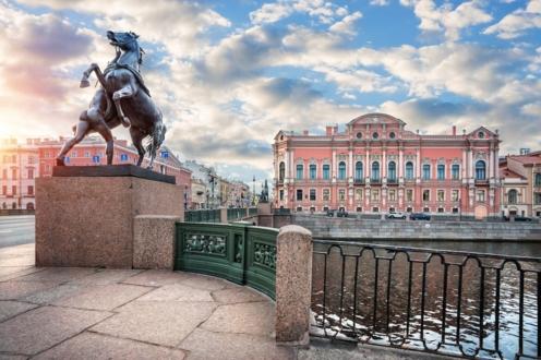 Вид на Аничков мост и дворец Белосельских-Белозерских