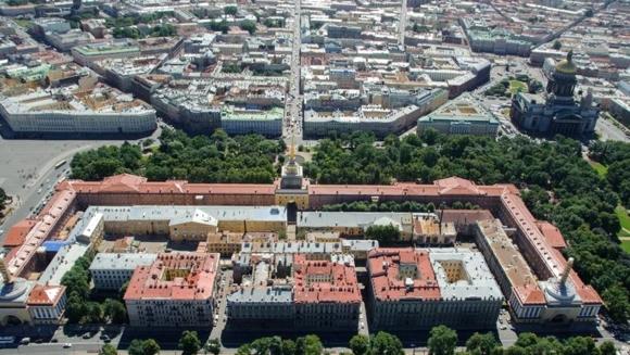 Комплекс зданий Адмиралтейства, вид с воздуха