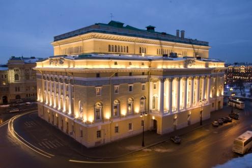 Александринский театр ночью