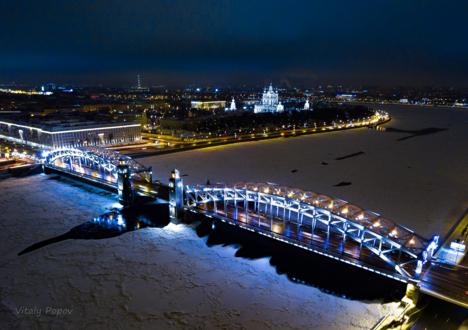 Большеохтинский мост зимой