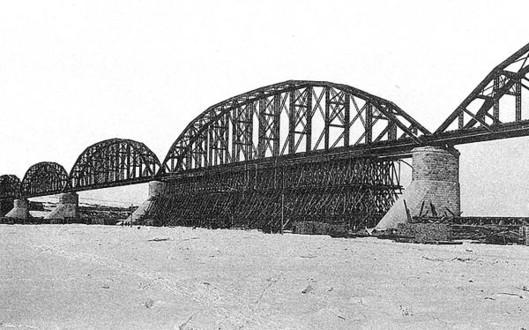 Мост, спроектированный Шуховым
